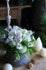 画像1: ピュアホワイトの花籠 (1)